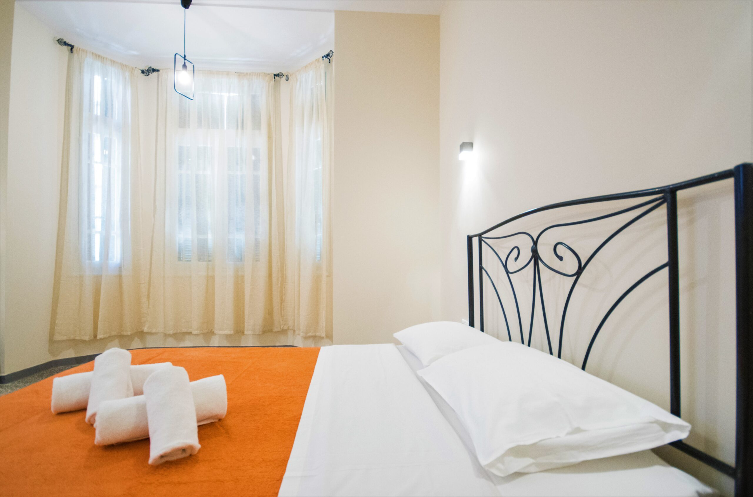 lights-windows-hotel-rooms
