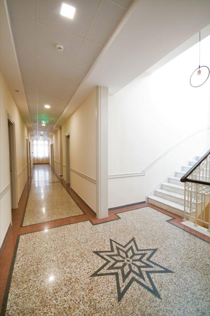 corrodors-mosaic-marble-floors
